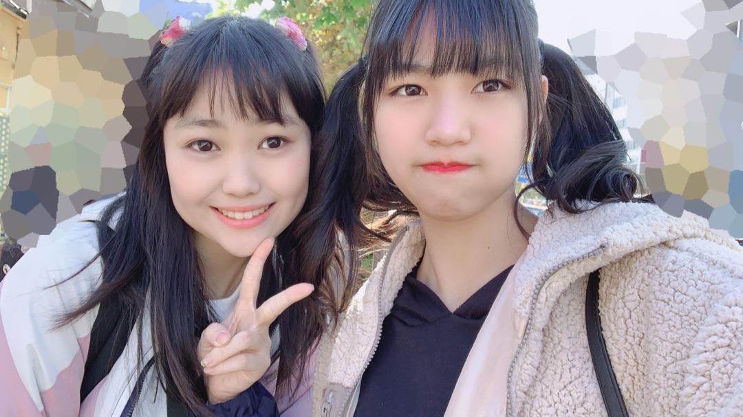 【Blog更新】 中西香菜さん。松永里愛: やふぞうこの前のクイズの答えは浅草でした〜。浅草にある花やしきにも行きたいし雷門にも行きたい!!Q.最近、りあいがハマっている動きはなんでしょう!!ヒントはピエロ!🤡2人で遊んだ時の〜  …  #juicejuice