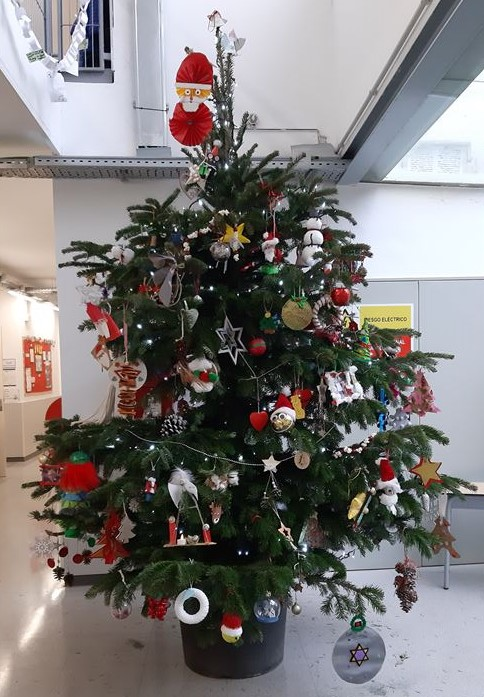 Thank you for participating in 'Christmas Around the World' @BSB_Barcelona and supporting environmental change with your #ecofriendly tree. It's going to be a challenge choosing the winning #CognitaWay Christmas Tree.