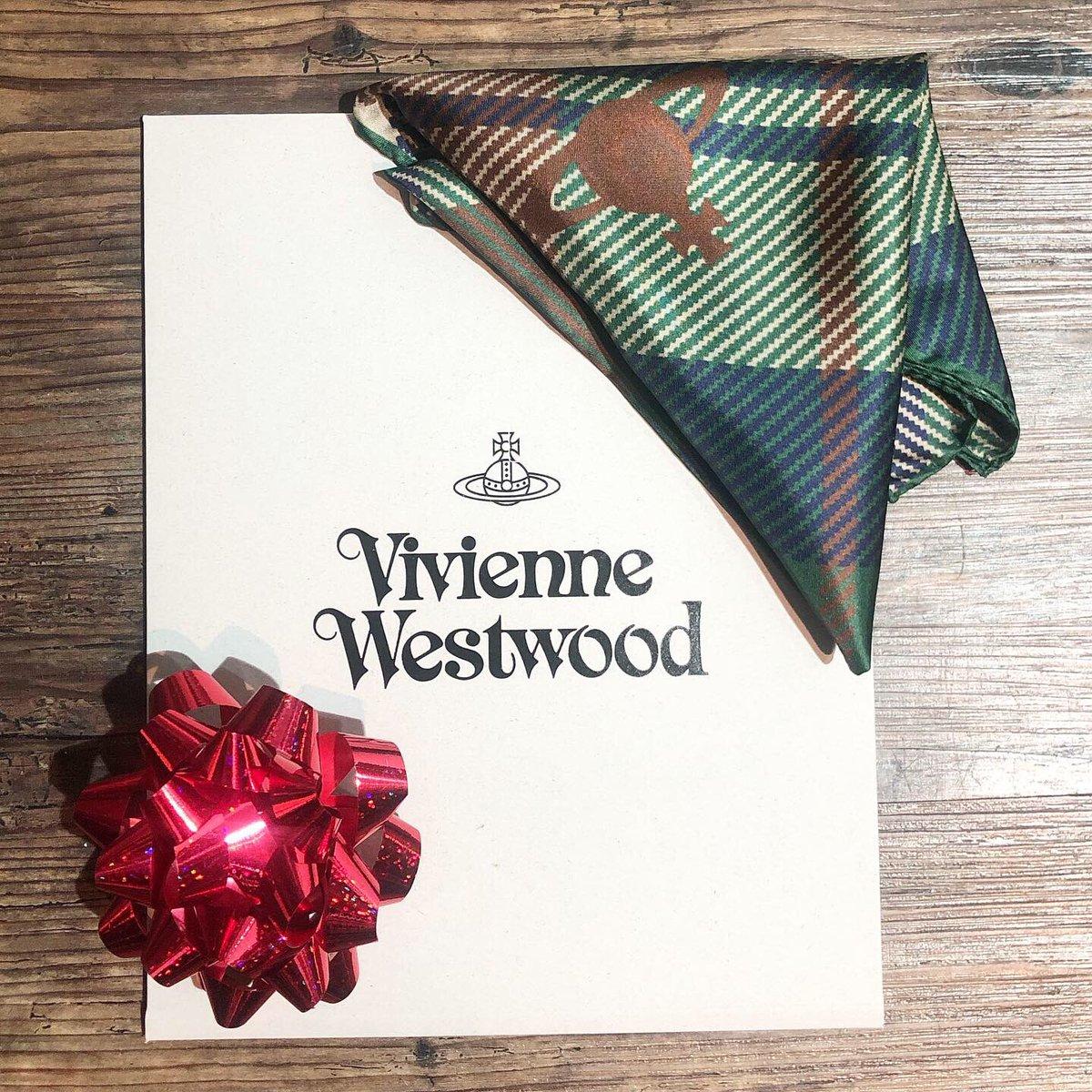Give a #gift of luxury this Xmas % SILK TWILL #pocketsquare/ #handkerchief by @viviennewestwood  #mens #mensfashion #mensstyle #christmas #xmas #gifts #giftforhim #hatshop #hatshopping #GreatWesternArcade #birmingham #silk #ties #hat #hats #peakyblinders #peakyblindersstyle pic.twitter.com/EMMqE6Lp9X – at Great Western Arcade
