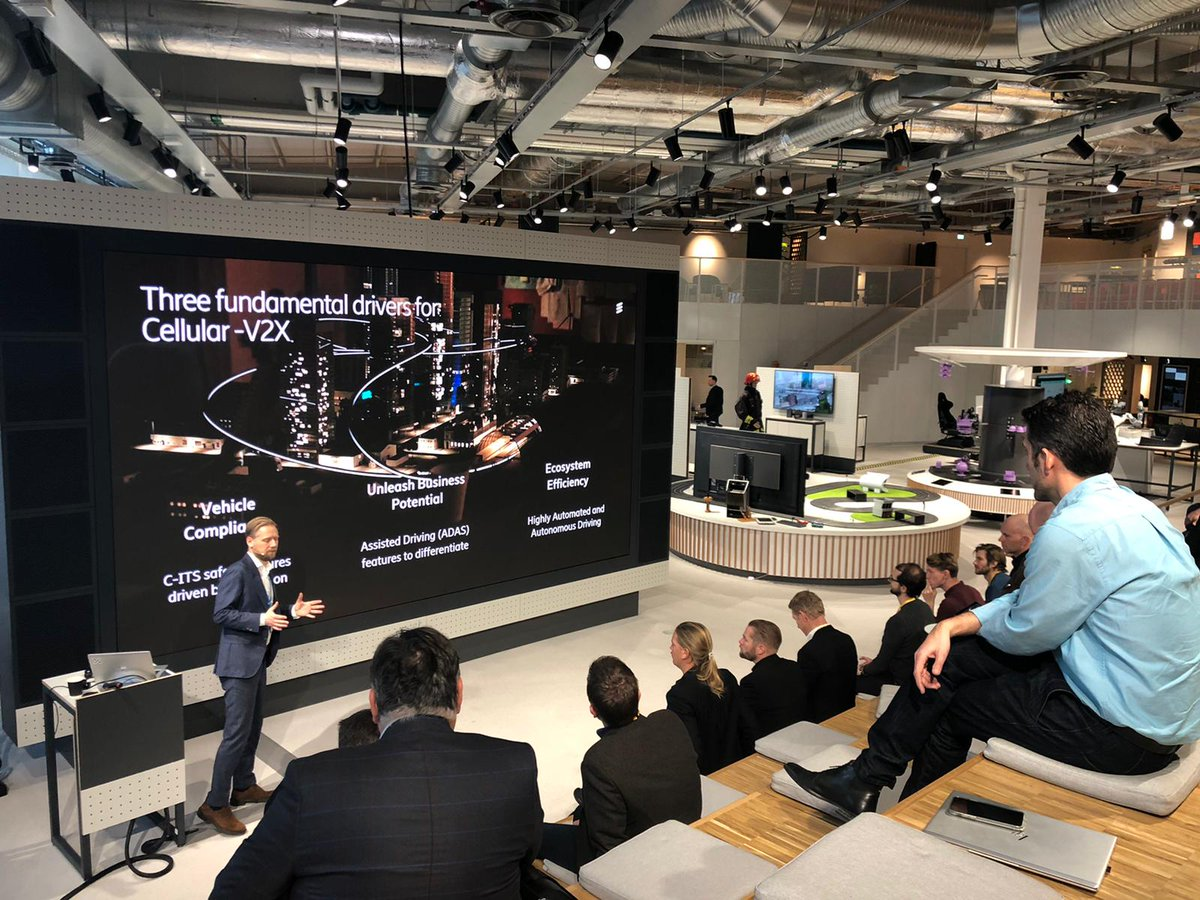 """""""#5G and #CV2X technologies will have immediate positive effects on traffic safety once launched."""" - @ConnectedAutoMG at today's #TelematicsValley lunch at the #EricssonStudio. pic.twitter.com/tM26dCVEzk"""