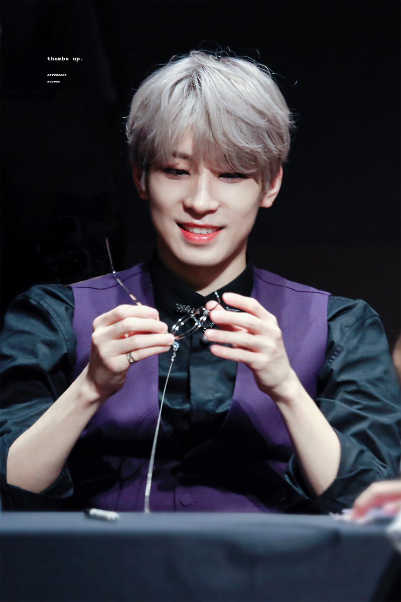 Wonwoo in this outfit with his beautiful silver hair is really something...  Black shirt + purple vest + silver hair + Wonwoo..... I'm too drawn into this whole perfect look  <br>http://pic.twitter.com/QsvOcgQqZk