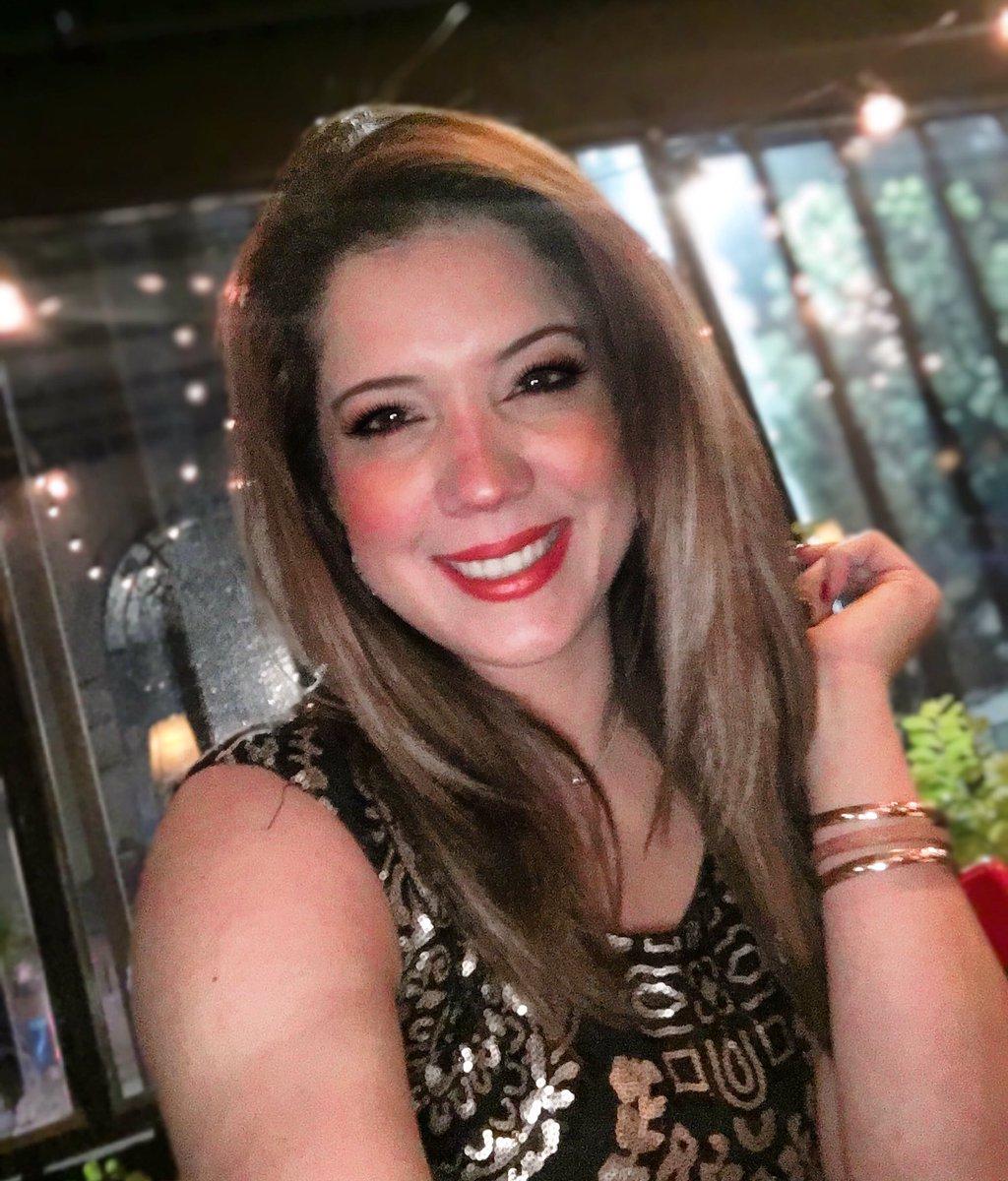 Y de paso le ponemos una sonrisa!....😁😄😃😀😆😊☺️..#felicidad #grabando #amor  #VoiceOver  #Audio #Sound #Publicidad #radio #Televisión #voz #Reel #Demo #actriz #metas #trabajo #vida #mundo #iluciones #sueños #sinfiltro #risas #sonrisa #alegria #barranquilla #bogota
