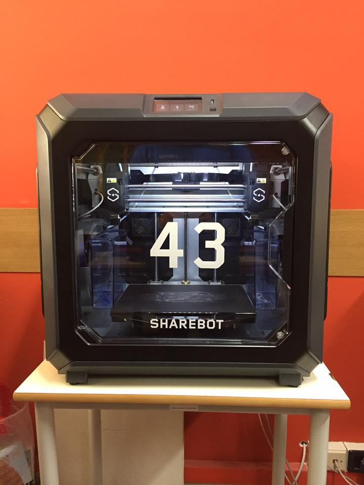💥Sharebot 43💥 La prime 10 stampanti sono state vendute e i proprietari stanno iniziando a testare le nuove modalità di stampa offerte dal doppio estrusore.   Scopri di più su Sharebot 43:  🌐  #Sharebot #Sharebot43 #DidactaService #Si-design #dualextruder