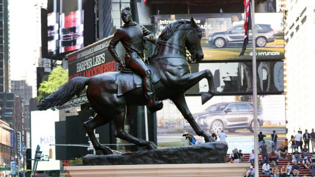 Statue of black rider mimicking Confederate monument to be installed in Richmond hill.cm/KbX20Z3