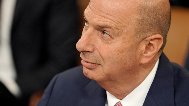 "Top aide to Ukraines president refutes Sondland testimony: ""Gordon and I were never alone together hill.cm/IECJIK1"
