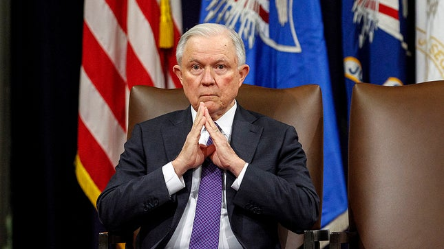 Sessions leads Alabamas GOP Senate primary field, internal poll shows hill.cm/KQyIiaA