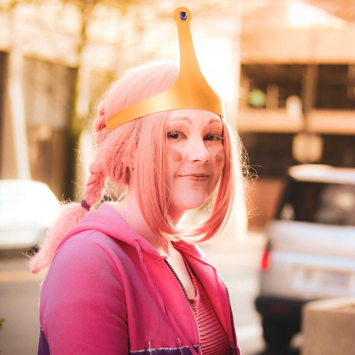 The crown is actually made of poster board. Right? I'm really happy with how it turned out . . . | : @blanksnowphotography | .  .  #cartoonnetwork #adventuretime #adventuretimecosplay #princessbubblegum #iceking #adventuretimefan #bubbline #cosplay #bmo #marceline #finnthehumanpic.twitter.com/eY0QW9YjGm