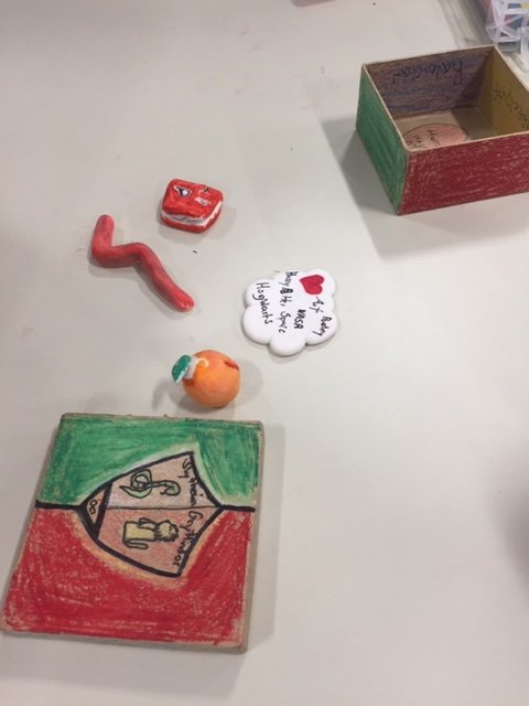 5th graders inspired by the Imaginasia lesson based on the exhibit My Iran: Six Women Photographers | Freer Gallery of Art & Arthur M. Sackler Gallery. <a target='_blank' href='https://t.co/NkNnmjTLgC'>https://t.co/NkNnmjTLgC</a> Packing and unpacking identity what is the definition of home? <a target='_blank' href='http://twitter.com/APS_FleetES'>@APS_FleetES</a> <a target='_blank' href='http://twitter.com/APSArts'>@APSArts</a> <a target='_blank' href='http://search.twitter.com/search?q=APScelebratearts'><a target='_blank' href='https://twitter.com/hashtag/APScelebratearts?src=hash'>#APScelebratearts</a></a> <a target='_blank' href='https://t.co/jnFJX1CfxN'>https://t.co/jnFJX1CfxN</a>