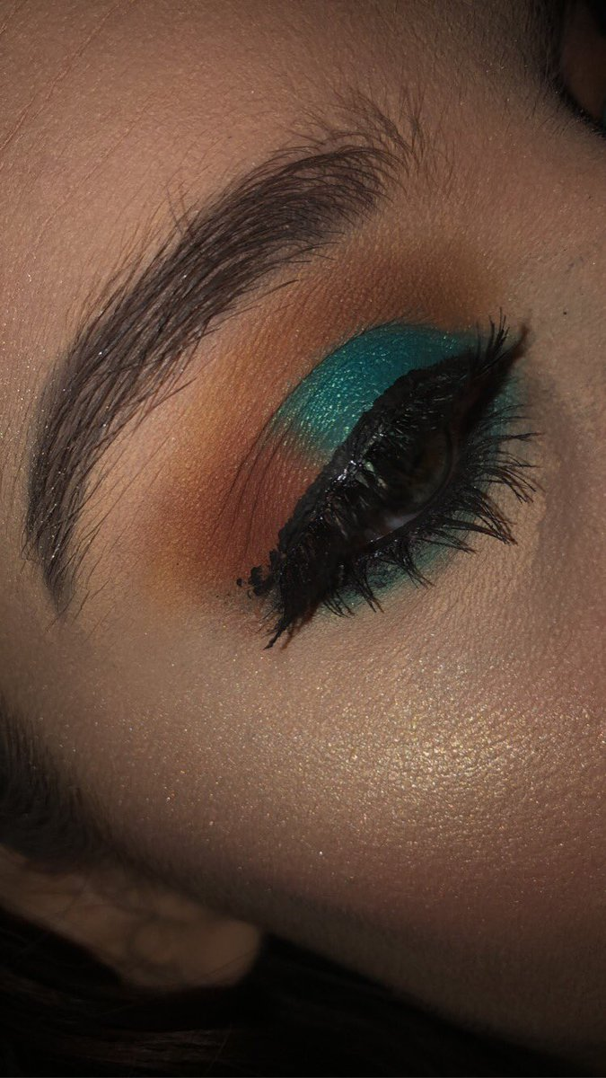 #makeup #makeupartist #selftaughtmua #blazin_beauties #wakeupandmakeup #muaxdiscover #allmodernmakeup #makeupartistsworldwide #slave2beauty #make4glam #slayandblend #anastasiabeverlyhills #colourpopcosmetics #kkwbeauty #kyliecosmetics #tartecosmetics #elfcosmetics #tatchapic.twitter.com/XuZkJA1HlO