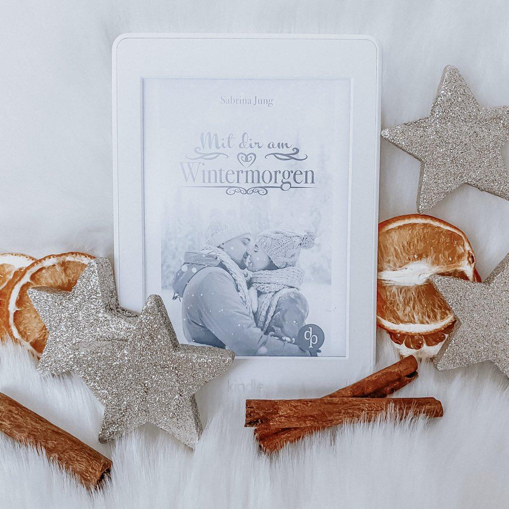 """Das Taschenbuch von """"Mit dir am Wintermorgen"""" ist bereits bei den ersten Online-Shops verfügbar 😍 Falls ihr also noch ein Weihnachtsgeschenk benötigt ... Ihr wisst Bescheid 😉🎄🎁 👉🏻"""