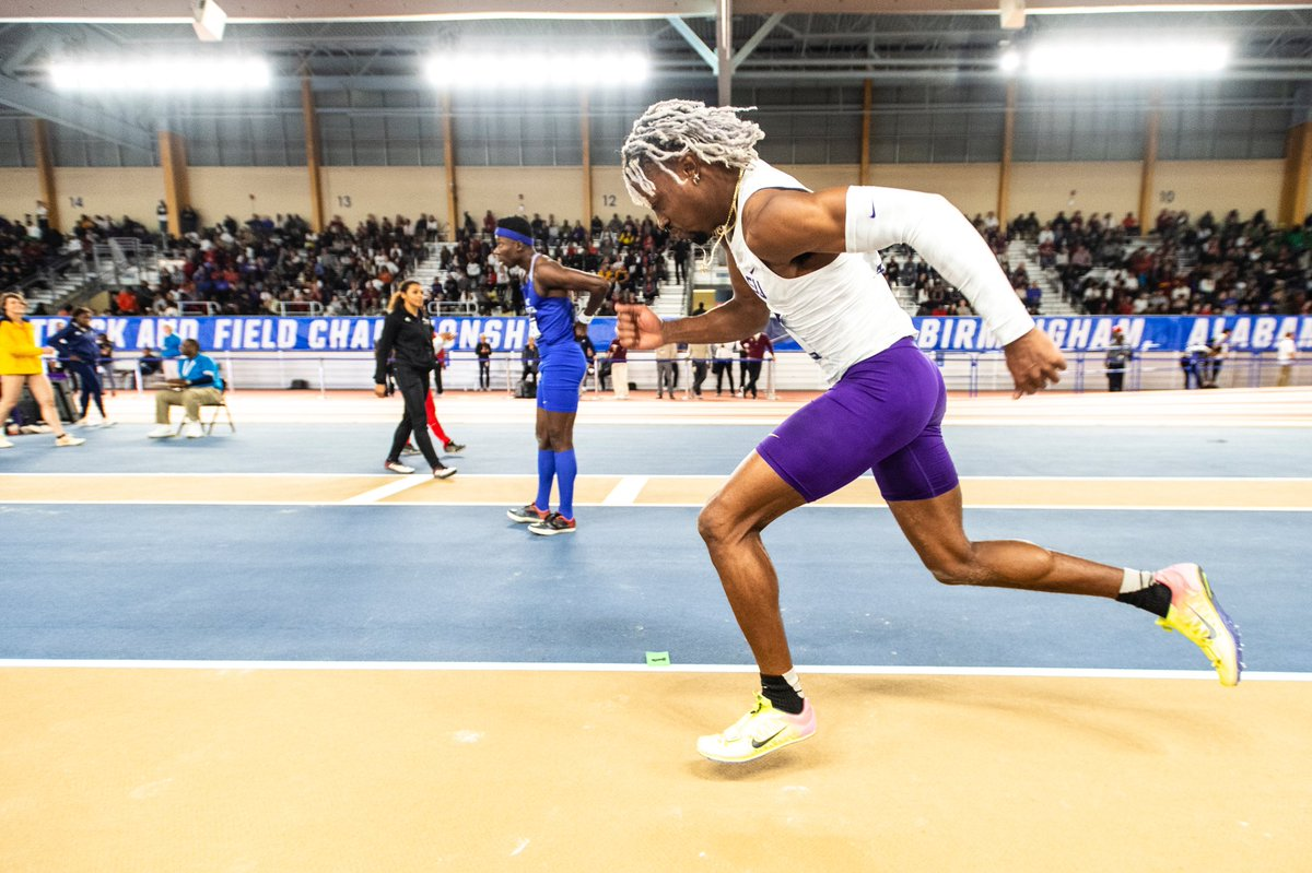 The 2020 season gets started one month from tonight! We'll host a meet at Carl Maddox Fieldhouse on January 10.  #GeauxTigers  <br>http://pic.twitter.com/c1vvGjtdY5
