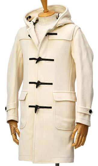 TV LIFE 年末年始超特大号大野智くん 着用衣装 ダッフルコート智くんとニノが着ているダッフルコートはお揃いの色違い。フードの内側に止め具があり、黒いラインがあるのが特徴。智くんがホワイトで、ニノがグレーです。#大野智 #二宮和也 #嵐 #ARASHI