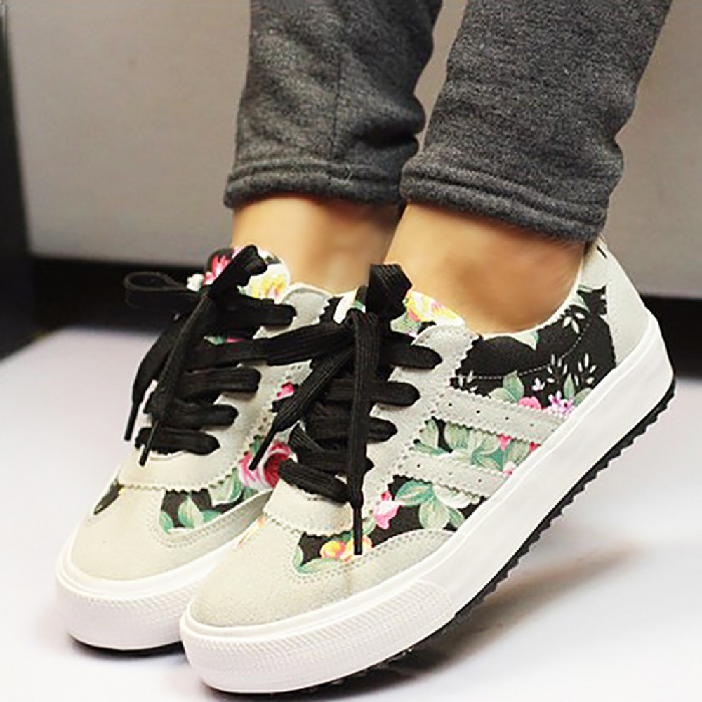 #happy #instalike Fashion Floral Canvas Women's Running Shoes https://youngrack.com/fashion-floral-canvas-womens-running-shoes/…