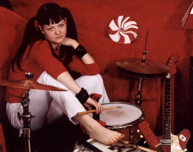 Happy Birthday Meg White!, baterísta del dúo The White Stripes. HOY cumple 45 años.