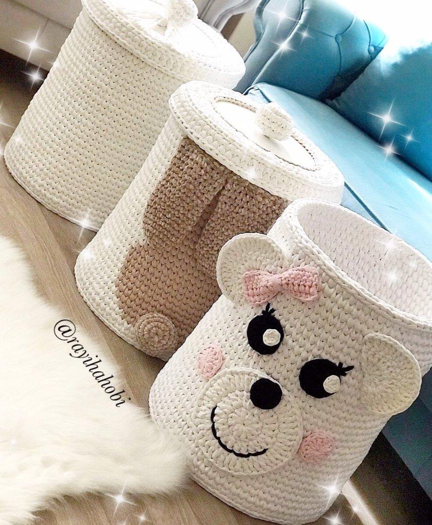 Babyroom Baskets 😋⠀ .⠀ .⠀ .⠀ .⠀ 📸@rayihahobi .⠀ .⠀ #foxyyarnco #tshirtyarn #accessories #knitting #handmade #yarn #knit #yarnaddict #crocheting #crochetaddict #knittingaddict #yarnlove #yarnhoarder #crochetlove