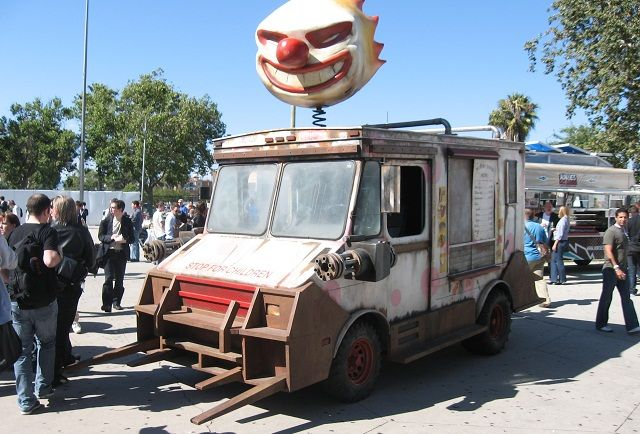 Real life SweetTooth truck from Twisted Metal <br>http://pic.twitter.com/SUS4pO73TP