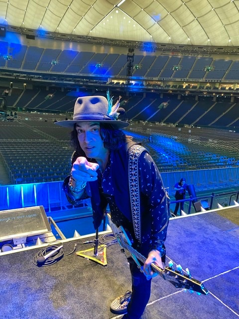 Souncheck At TOKYO DOME! Let The Rock Begin. Cool Photo-Ross Halfin