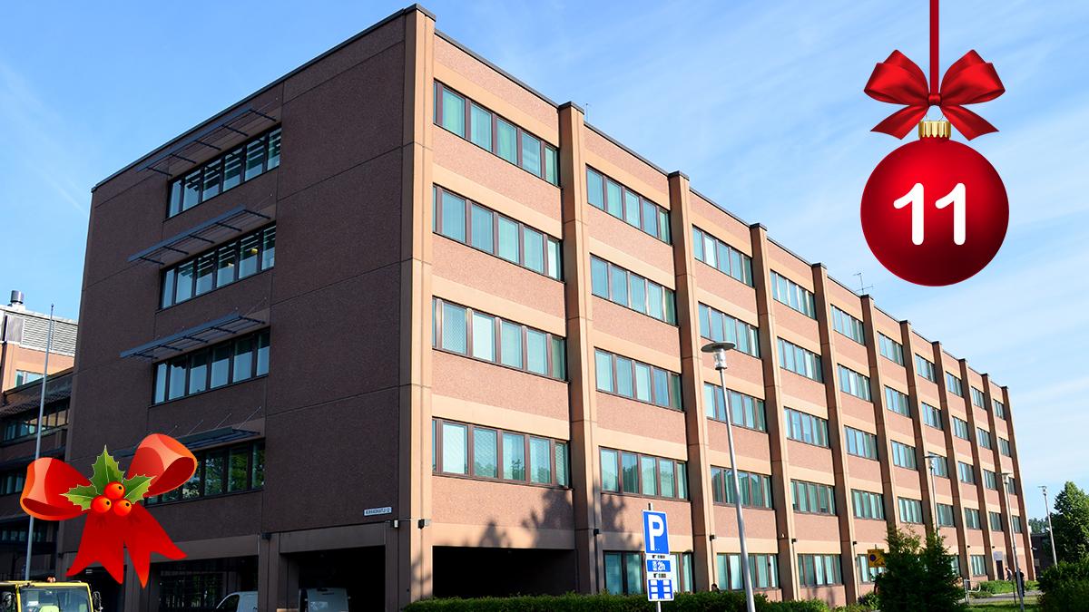 #HELYnteri luukku 11: Mikä rakennus kuvassa näkyy?   A) Lahden virastotalo - Hämeen ELYn toimipiste  B) Kauppakeskus Tripla  C) Vanha lääninvankila https://t.co/52QTA4F1u2