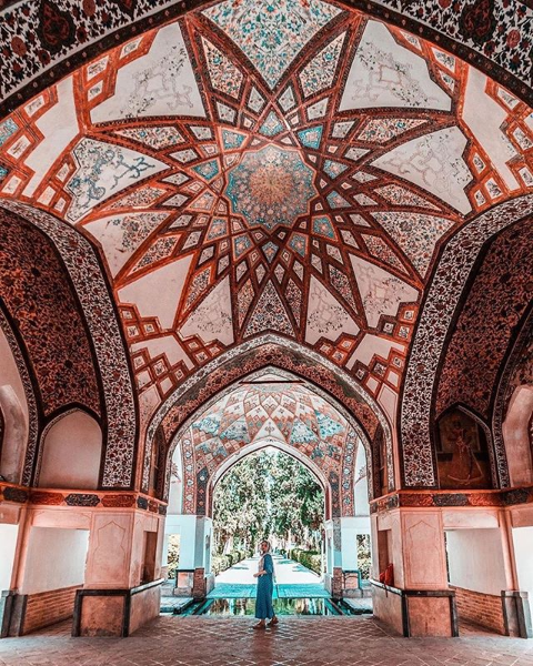 The Fin Garden is regarded as one of the most beautiful gardens of its type in #Iran  . Designed for Shah Abbas I in the 16th century #irgotrip #travel #traveliran #travelpersia #asia #middleeast #kashan #tehran #isfahan #shiraz http://www.irgotrip.com  @irgotripspic.twitter.com/LfZUB5vBJ7