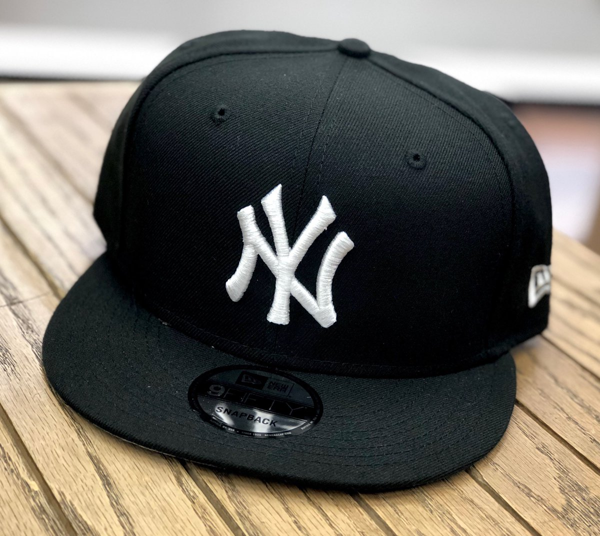 New Era Snapbacks available at a StreetGame near you!  #newera #neweracap #snapbacks #fitted #photooftheday #mlb #caps #photooftheday#sports #sportsleague #champs #teams #favorite #shopping #retail #streetwear #apparel #9fifty #9fiftysnapback #newyork #flagship #streetgameusapic.twitter.com/BNSziY8YBL