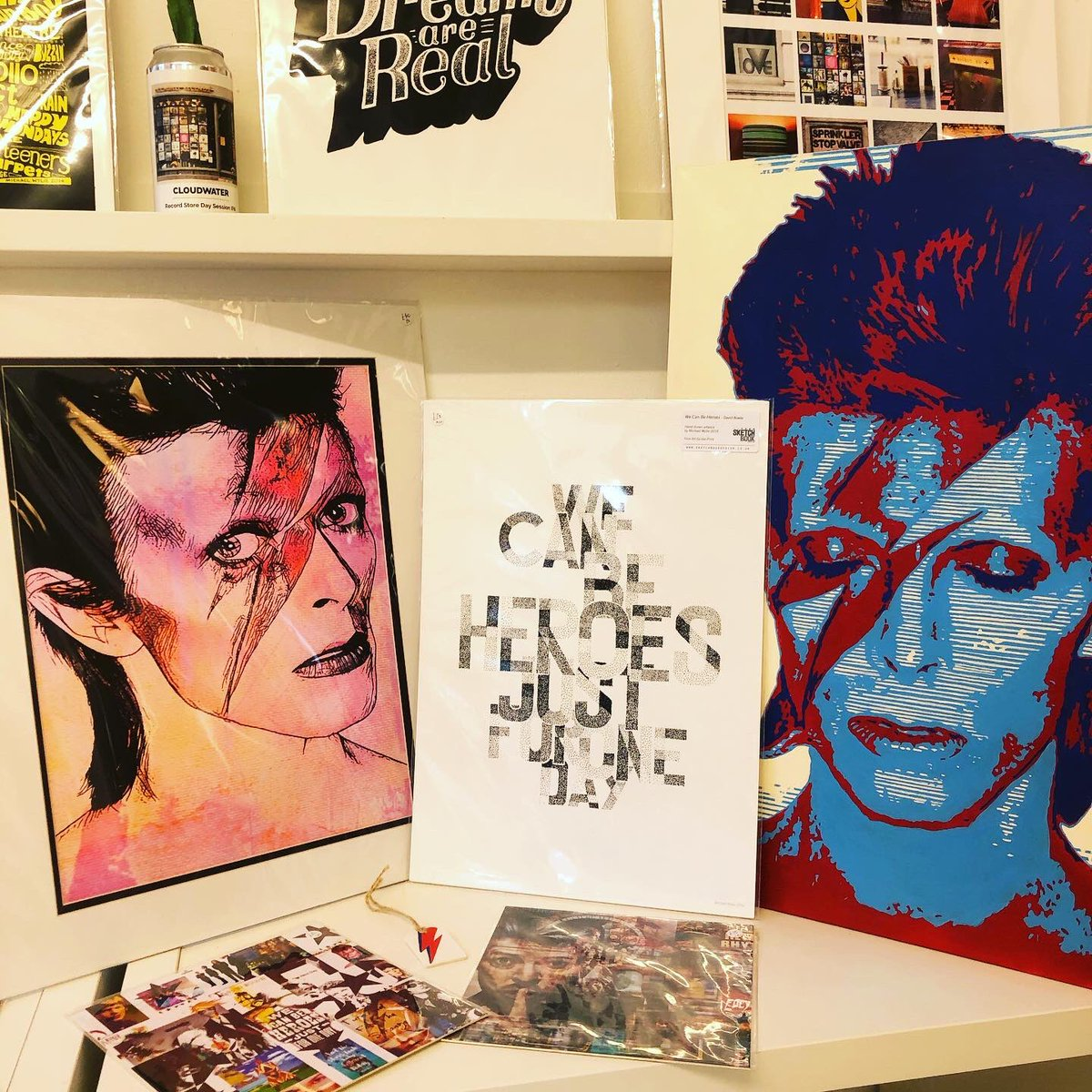 Someone asked yesterday did we have any Ziggy Stardust inspired art work? Hell yea! We have prints, David Bowie artwork and lyric prints, Ziggy tags and an acrylic canvas original! ⚡️⚡️⚡️You can find lots of unique gifts here at NQ @Afflecksfox 💫 by 4 fab NQ creatives