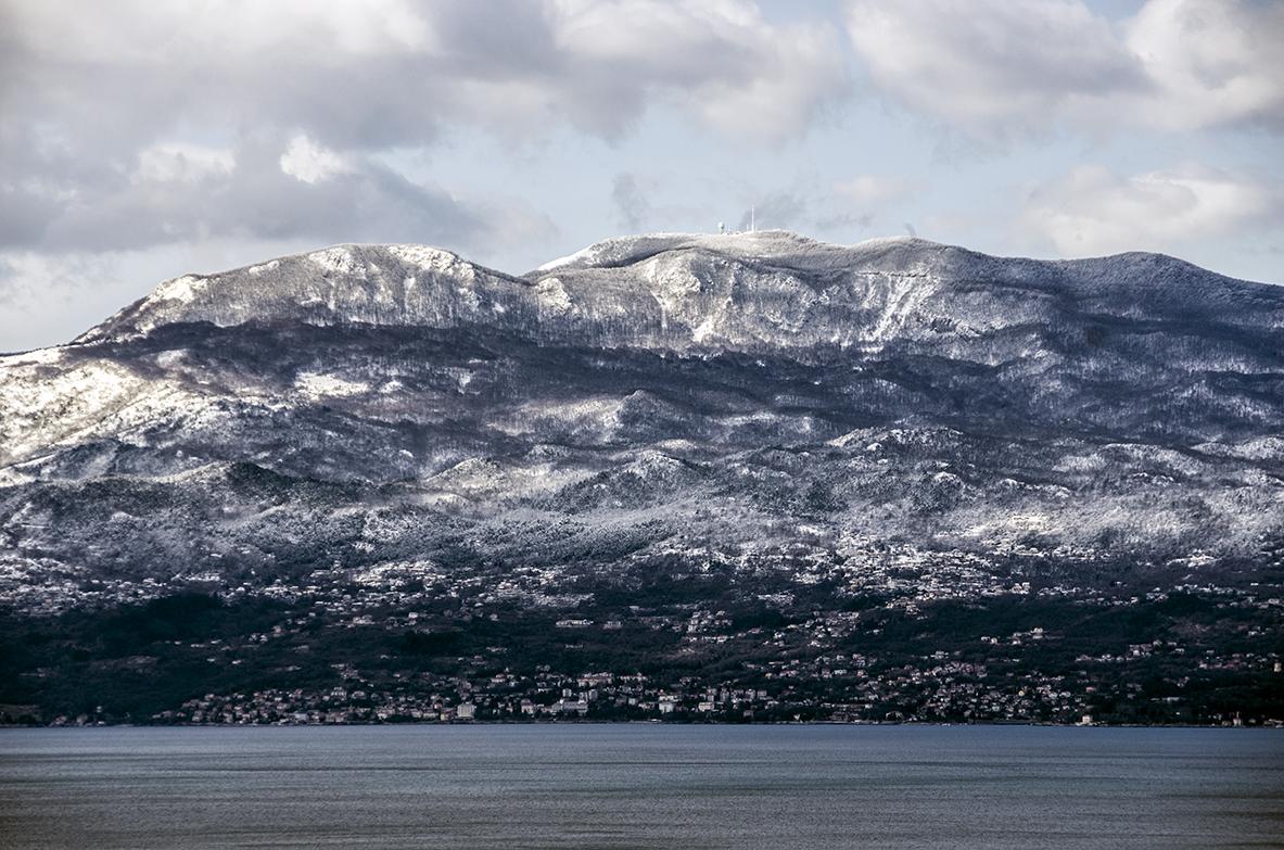 RT @stanislav_jure: Danas je Međunarodni dan planina I mi svoju imamo #Rijeka #Kvarner #zaljev #photography https://t.co/y92ULMjHSo