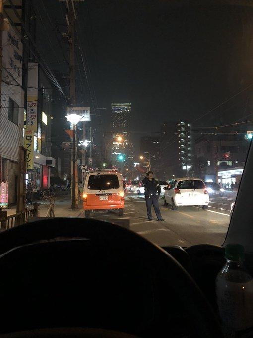阿倍野区丸山通の火災で交通規制が掛っている画像