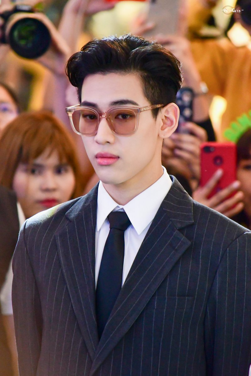 BamBam looks so extra handsome in that suit and glasses. Thailand Prince ❤ #BamBamxUNICEF