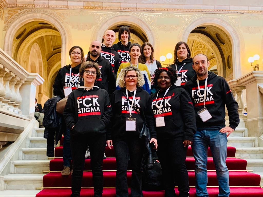 test Twitter Media - 🎀 El @Comite1desembre celebra l'adhesió del @parlamentcat al #PacteSocial contra l'estigma i la discriminació de les persones amb #VIH i exigeix al Govern a implementar-lo abans de l'1 de març  És un dia històric!  Nota de premsa 👉 https://t.co/NIUWIPbfxk https://t.co/6iwPmeq7A2