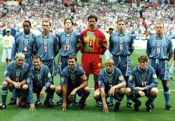 #EURO96 encaptured the hope of the nation as hosts @England anticipated football would finally come home. The #ThreeLions didnt disappointed as they delivered, great goals and wonderful team displays whilst wearing those marvellous shirts. SHOP 🏴 bit.ly/2NyBDqE