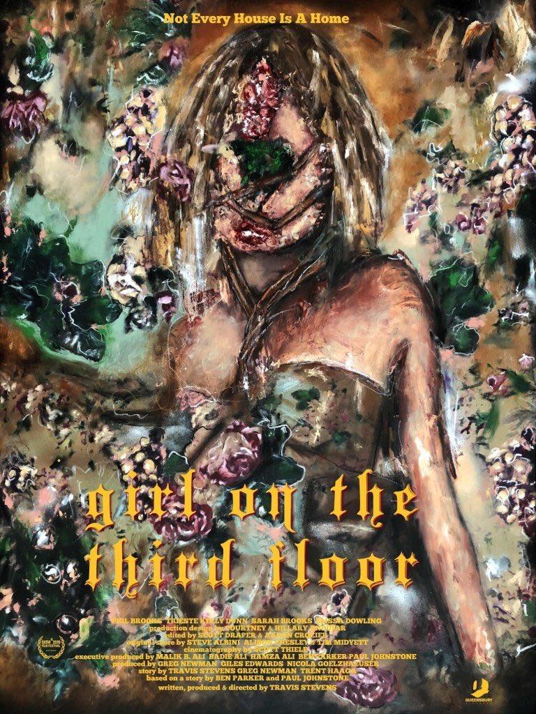 『girl on the third floor』のポスター、ガンギマリですげえ怖い。
