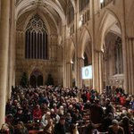 Image for the Tweet beginning: An eager and expectant congregation