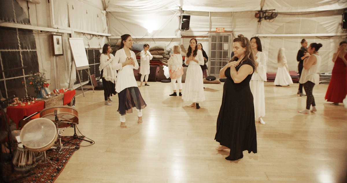 How could we ever express how blessed we feel to revel in such vast ecstasy in our own bodies? More photos from our glorious time during Thanksgiving week at Esalen.  Photographer: Hitoshi Inouie  #DofO#banafshehdance#sacreddance#healingdance#Rumidance#sufidance#whirling#esalen pic.twitter.com/a0hLUZQnZD