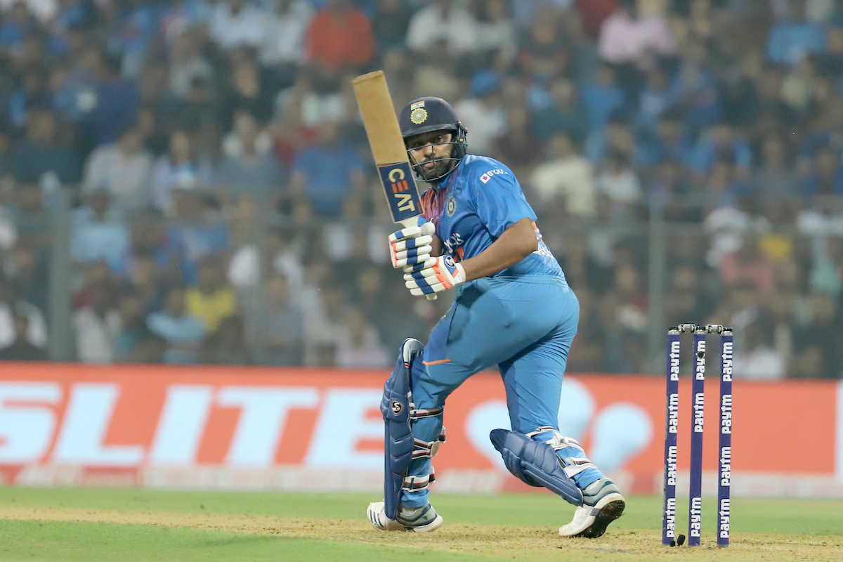 ICYMI - 6,6,4 - @ImRo45 goes berserk Brutal! Rohit Sharma showcasing his class with some incredible hitting off Pierre. Full video here - bcci.tv/videos/140402/… #INDvWI