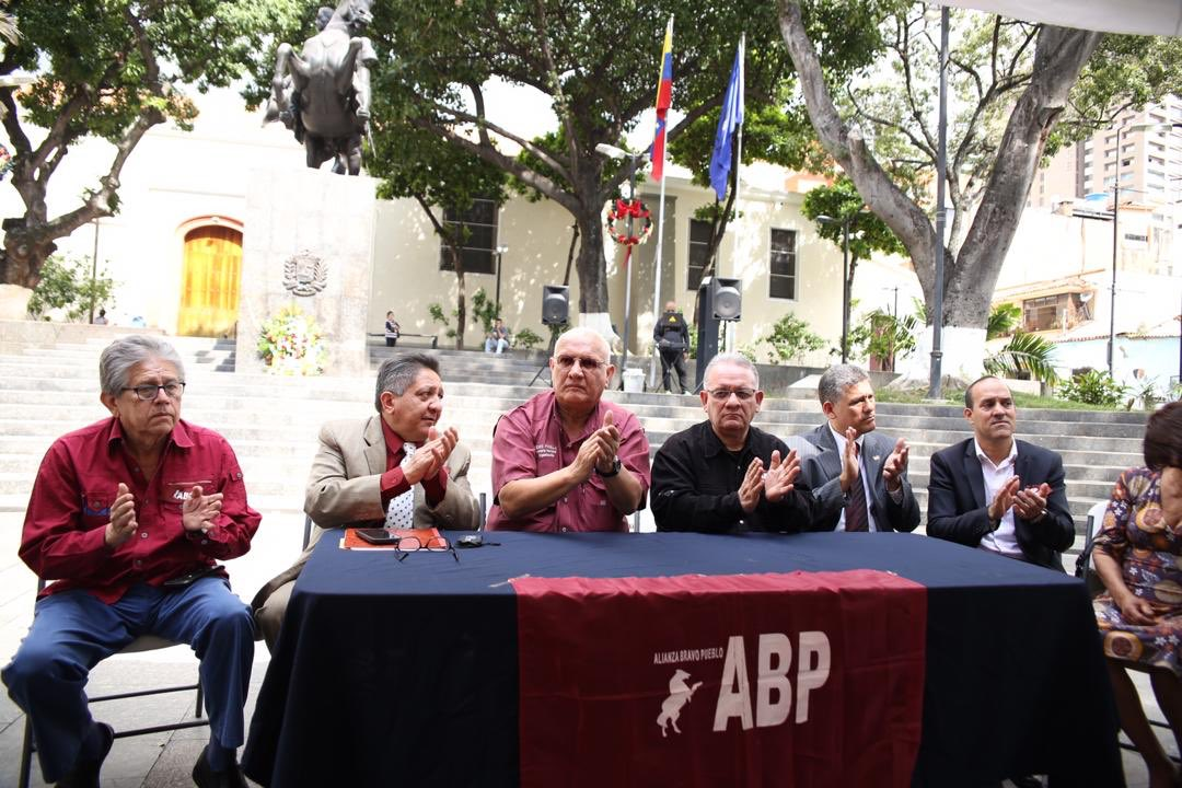 Saludo a los amigos de @ABPVenezuela en su XIX aniversario!! @alcaldeledezma @RichardBlancoOf @alcidespadilla @pedrosegundoABP @DipEdwinLuzardo @ingprieto1954 @UrgellesBaruta ... Buenos compañeros todos! #AMC #Vzla