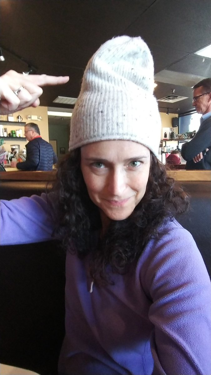 RT @CaraMentzel: Have I mentioned that my hat has a reservoir tip?! #condomhat #useprotection #ribbedforherpleasure https://t.co/1pBn77Cw0D