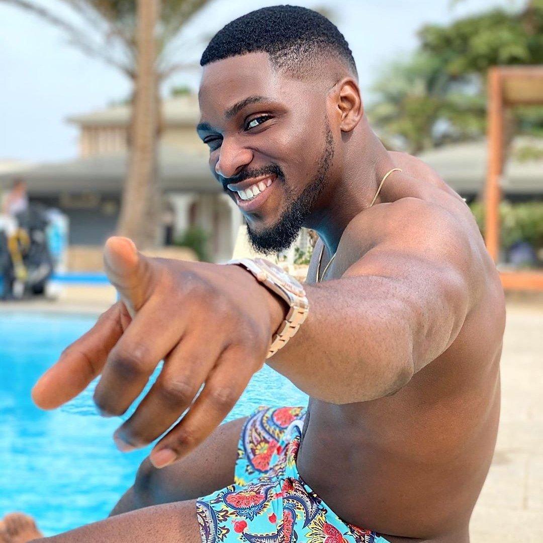 I see you  #Tobibakre  #Tobination #bbnaija<br>http://pic.twitter.com/KCzXSJtEby
