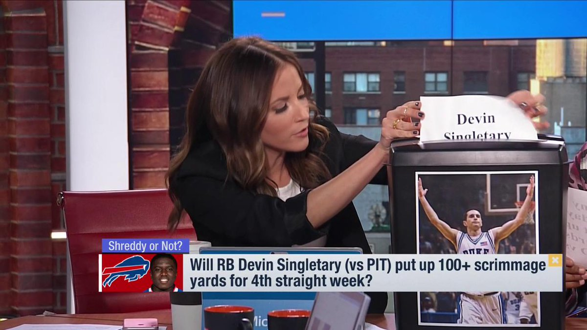 Will Kenny Golladay (vs TB) have 100+ yds & TD? @heykayadams breaks down the QB on #ShreddyOrNot. @NFLFantasy | #FantasyFootball