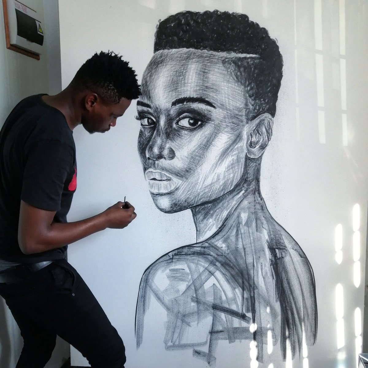 I was born to create 🖤 100 RT's and I will share the final rendition 🙌🏾  My name is Ennock Mlangeni. YOU DON'T KNOW ME YET!! https://t.co/FovEmlvd3d