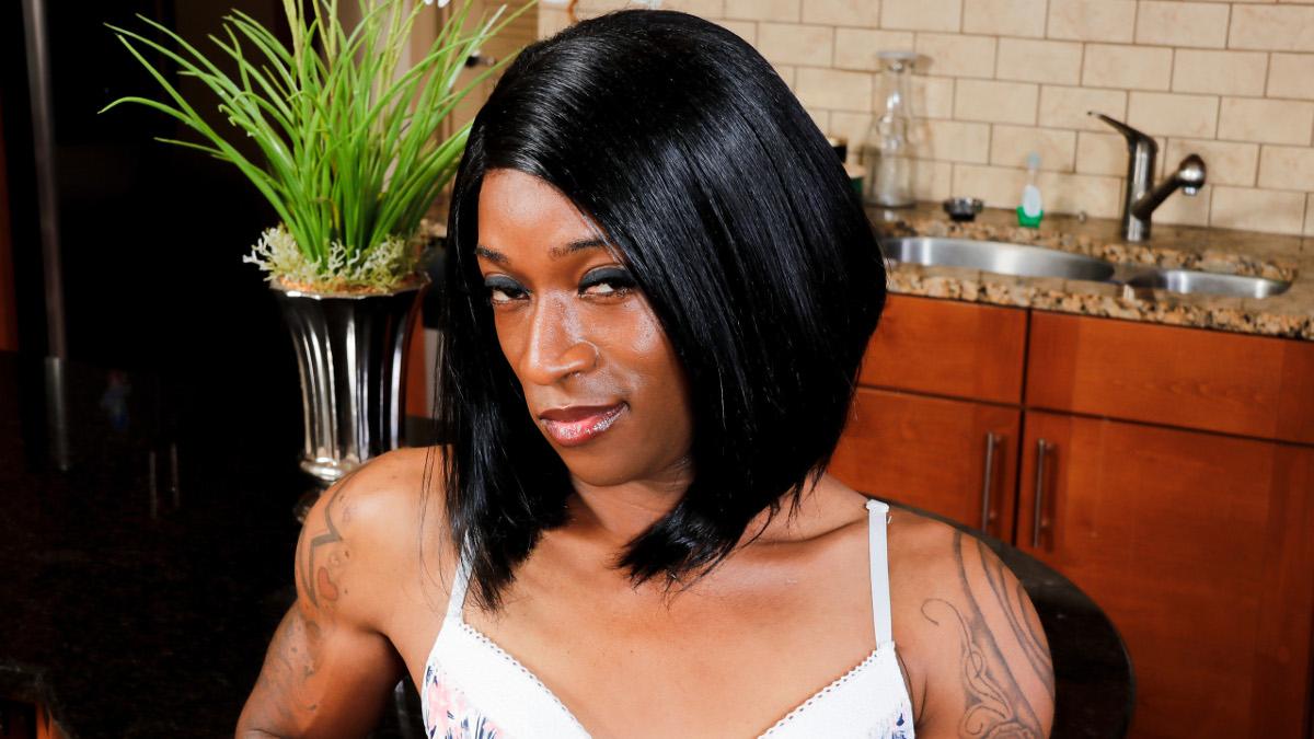 Black ladyboy webcams galery