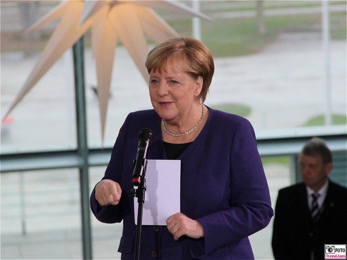 Weihnachtlicher Empfang: BK Merkel für Angehörige v