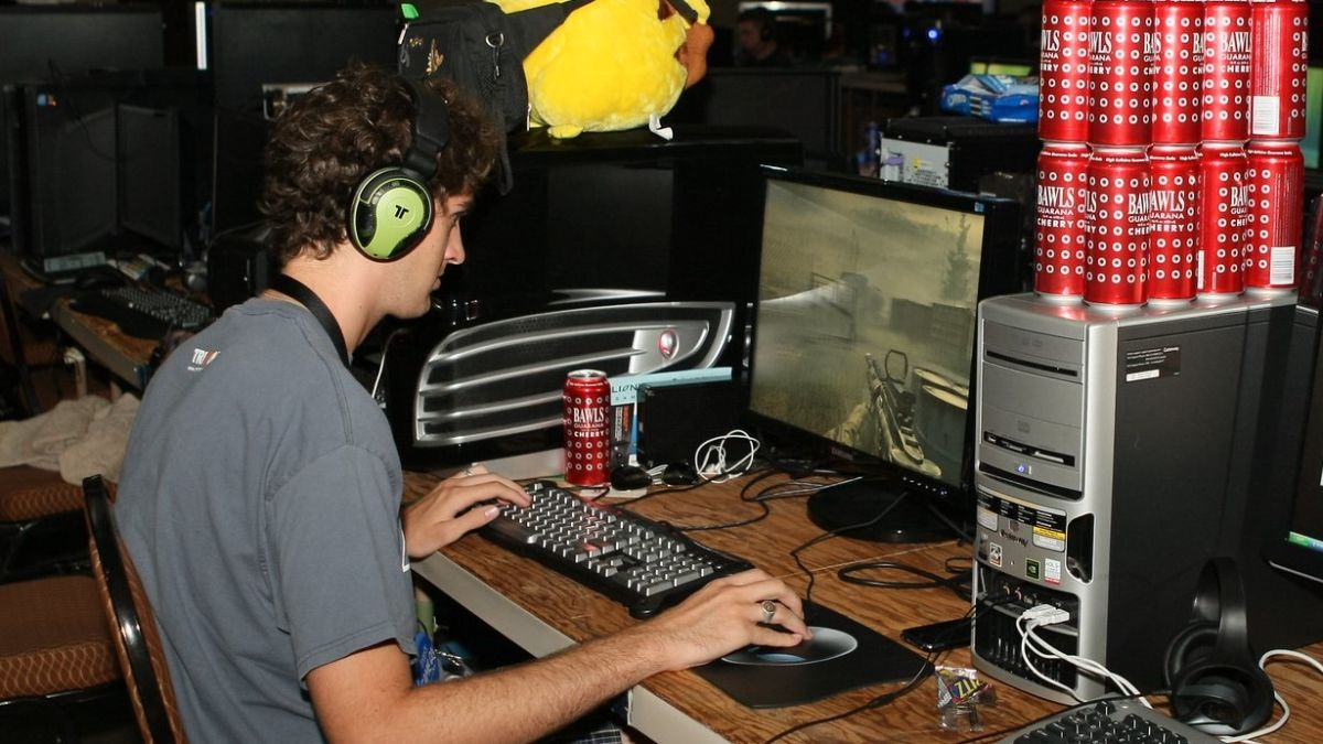 Remember what PC gaming was like in 2009? A look back:   https:// buff.ly/36rBD56    <br>http://pic.twitter.com/Qx7hEH3Pyy