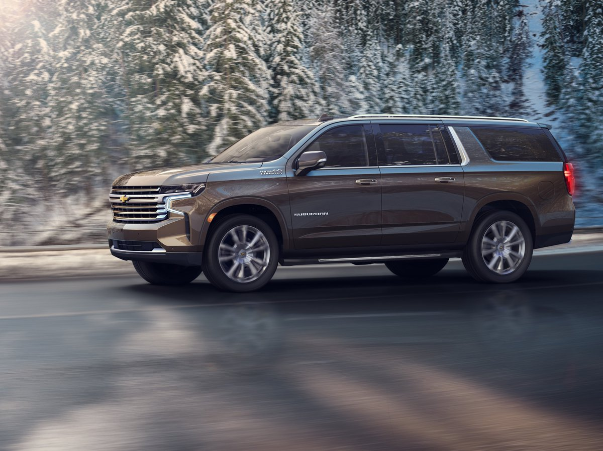 Meet the latest version of the iconic #Chevrolet #Suburban.  Chevrolet's legendary people and cargo hauler begins a new chapter today with the introduction of the all-new 2021 Chevrolet Suburban. Look for it at WallaceChev starting in mid-2020. https://t.co/wNwkYUjVLf