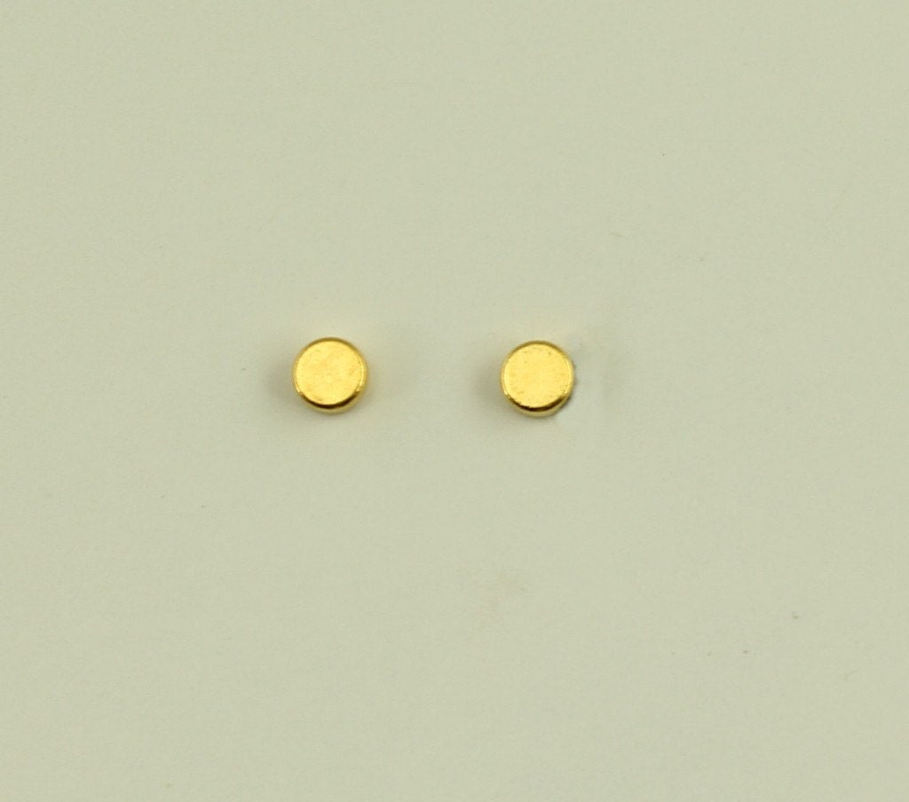 #MadeInAmerica Excited to share the latest addition to my #etsy shop: 3 mm Gold Disc Magnetic Non-Pierced Earrings  #jewelry #earrings #gold #golddotearring #buttonearring #tinyearring #studearring #manearring #magneticearring
