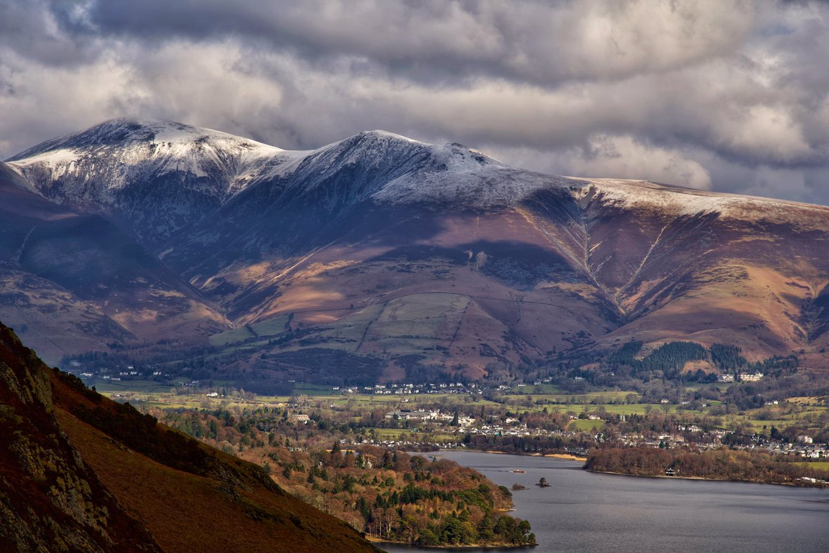 #InternationalMountainDay took this overlooking #keswick in the #LakeDistrict. #mountains #StormHour #art #winter #snow #photo #picoftheday #Cumbria #Britain #hikingadventures #BeautifulWorld #daily #EarthCapture #landscapephotography #greatoutdoors #ThePhotoHour #climbing #cold