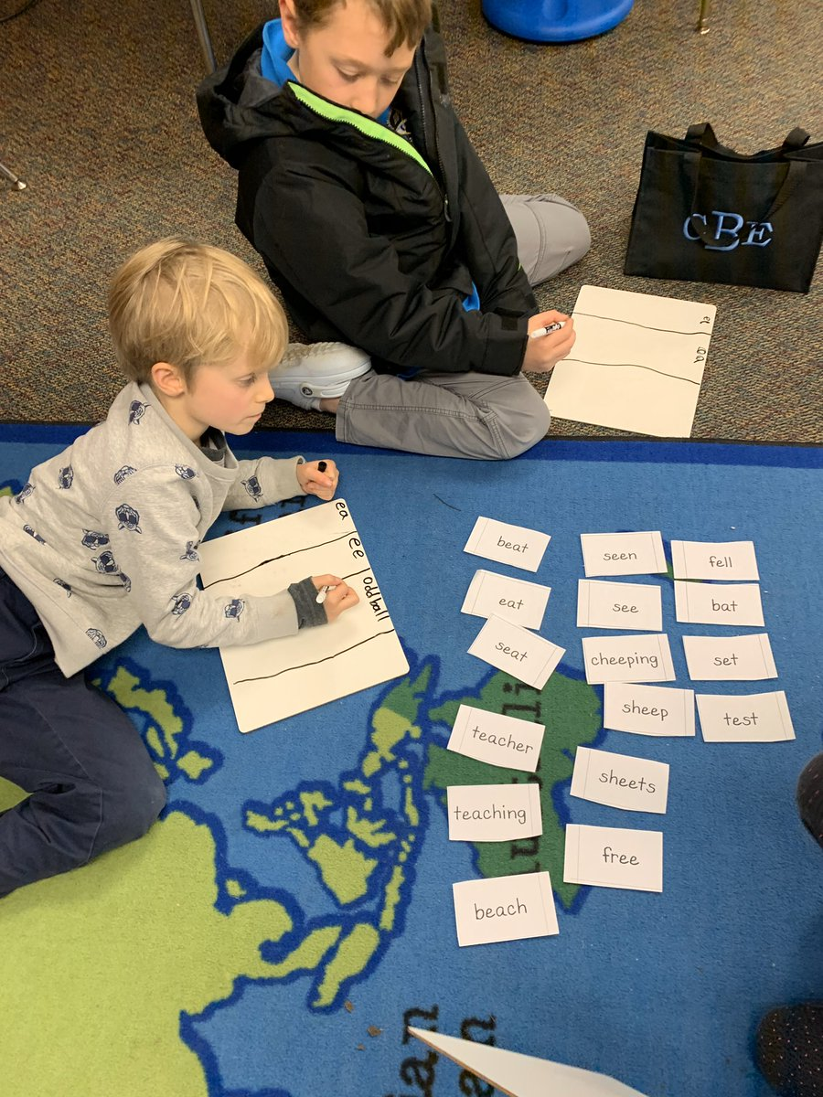 <a target='_blank' href='http://twitter.com/msbraeuer'>@msbraeuer</a>'s phonics rug clubs work together to sort, read and write words with vowel teams, EE and EA <a target='_blank' href='http://twitter.com/APSMcKCardinals'>@APSMcKCardinals</a> <a target='_blank' href='http://twitter.com/APSMcKPR'>@APSMcKPR</a> <a target='_blank' href='http://twitter.com/APSLiteracy'>@APSLiteracy</a> <a target='_blank' href='http://twitter.com/chbrownmckcard'>@chbrownmckcard</a> <a target='_blank' href='http://search.twitter.com/search?q=mckaps'><a target='_blank' href='https://twitter.com/hashtag/mckaps?src=hash'>#mckaps</a></a> <a target='_blank' href='https://t.co/LCMaOnLfS7'>https://t.co/LCMaOnLfS7</a>