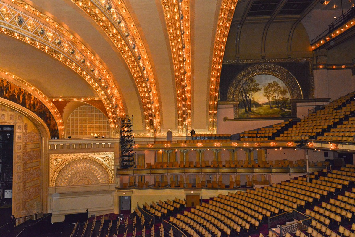 The Auditorium Building turns 130 this month! Learn more about this iconic theater. bit.ly/2WpRn4N