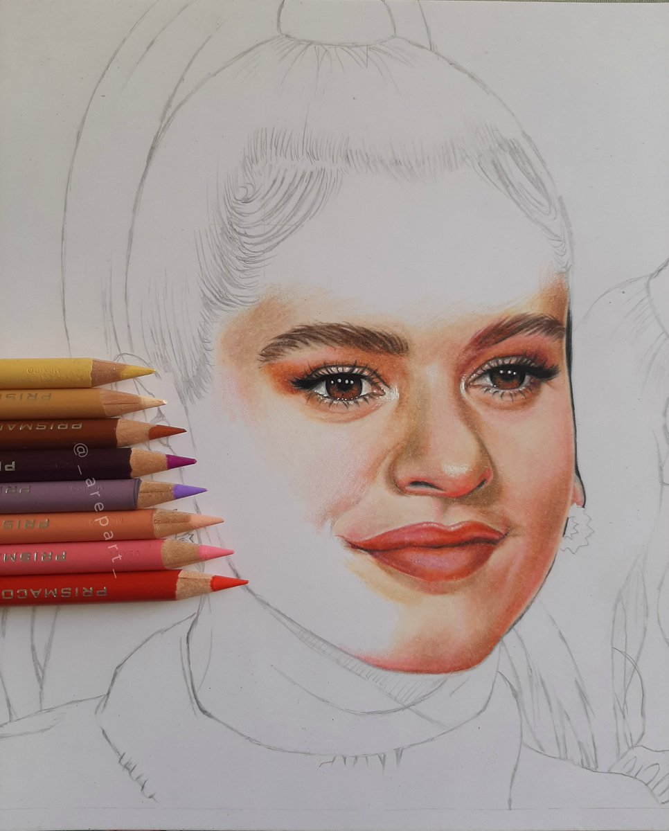 Dibujando a la hermosa y talentosa @rosaliavt !!! ¿Que les parece?, si pueden etiquetarla se los agradecería un montón / i'm drawing the beautiful Rosalia!! I hope you like it, tag her if you can please!!  #rosalia #RosaliaMadrid #elmalquerer #ElMalQuererTourpic.twitter.com/arcq8ygrGO