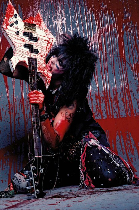 Há 61 anos nascia o baixista do Mötley Crüe, Nikki Sixx   Happy Birthday!!