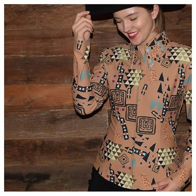 Only a few of these left! On Sale now in sizes Small, Medium and 1X. This rich native design on a caramel mocha base has a heavily embellished collar, and has been one of our most popular prints! The Native Mocha All Day Shirt is available on lisanelle.c… https://t.co/6w2ytzHgWk https://t.co/87UGNrjQdw